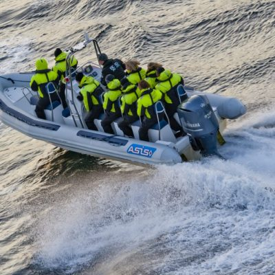 Speedboat-action-1030x687